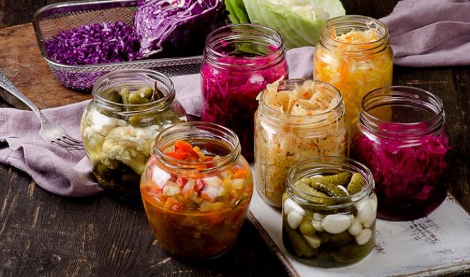 Lucruri neștiute despre alimentele fermentate. Aduc beneficii pentru organism și previn bolile