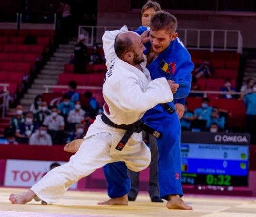 Sportivului paralimpic clujean Alexandru Bologa, premiat de Primăria Cluj-Napoca