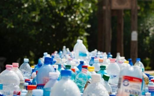 A intrat în vigoare ordonanța anti-plastic. Ce produse dispar de pe rafturile magazinelor?