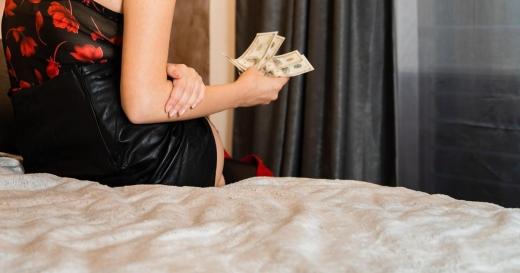 O prostituată din Dej s-a ales cu sume FABULOASE de bani. Primea 269.500 euro de la un milionar austriac