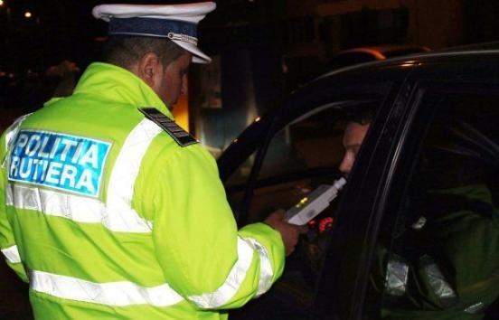 Șofer, RUPT DE BEAT, fără permis și cu număr fals a făcut ACCIDENT în Cluj-Napoca! Bărbatul, arestat preventiv.