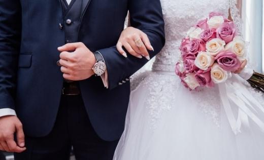 Nunțile ar putea fi organizate și după depășirea ratei de 3 la mie. Cîțu propune folosirea certificatului verde