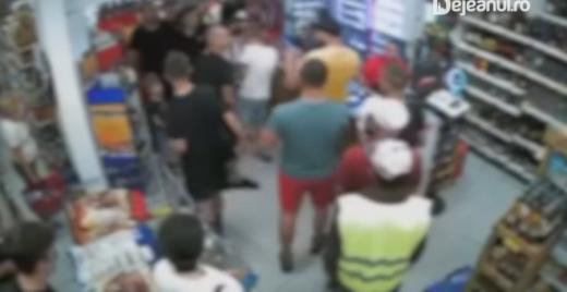 VIDEO. BĂTAIE într-un magazin din Dej, după meci. Bărbat, atacat de suporteri bucureșteni.