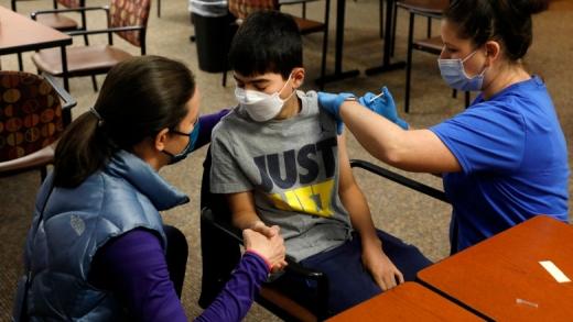 Cluj, pe primul loc cu cei mai mulți elevi vaccinați. Peste 11.000, imunizați cu cel puţin o doză