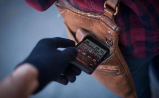 HOȚI de telefoane la UNTOLD, prinși de polițiști