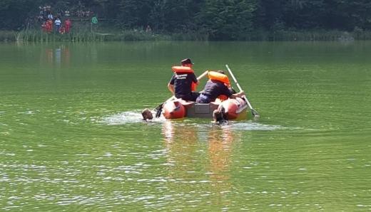 CADAVRUL unui clujean găsit într-un lac din Ceanu Mare