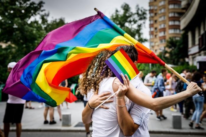 Parlamentul European cere României să RECUNOASCĂ LEGAL căsătoriile între persoane de același sex