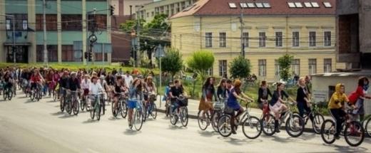 """Bicicliştii clujeni ies, din nou, în stradă: """"Vrem să putem folosi bicicleta ca alternativă de transport sigură"""""""