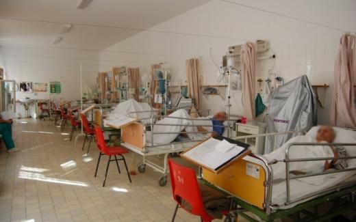 Un nou RECORD de cazuri COVID-19, la Cluj! Trei persoane au DECEDAT, iar numărul pacienților de la ATI crește.