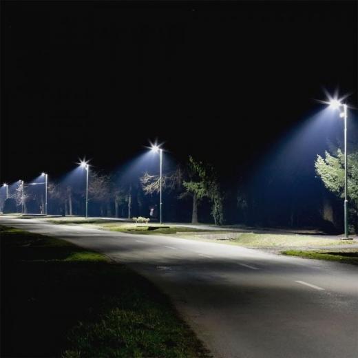 Becurile vechi de pe străzile din Florești, înlocuite cu corpuri de iluminat cu LED. Pe ce străzi vor fi montate?