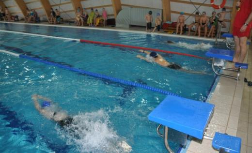 PROBLEME la noile reglementări! Copiii între 6 și 12 ani care fac sport, nevoiți să se testeze la fiecare 72 de ore pentru a merge la antrenamente?