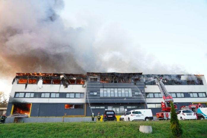 Galerie FOTO. Cele mai spectaculoase imagini de la incendiul care se putea transforma într-un dezastru la Cluj