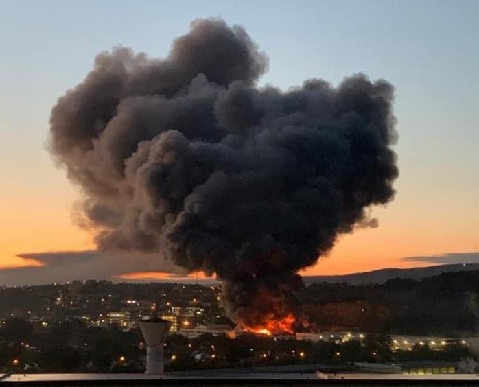 Protecția Mediului îi linișteste pe clujeni după incendiul de la Tetarom