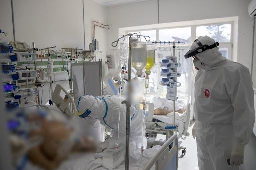 Peste 7.000 de cazuri de COVID-19 în ultimele 24 de ore în România