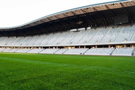 Gazonul de pe Cluj Arena, DISTRUS în timpul festivalului UNTOLD, a fost înlocuit