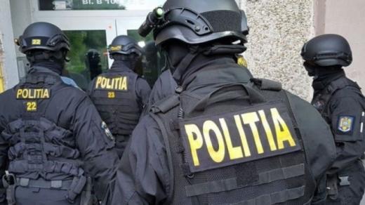 VIDEO. Tâlhari clujeni, ARESTAȚI după ce au atacat doi tineri și le-au furat bunuri de peste 8.000 de lei.