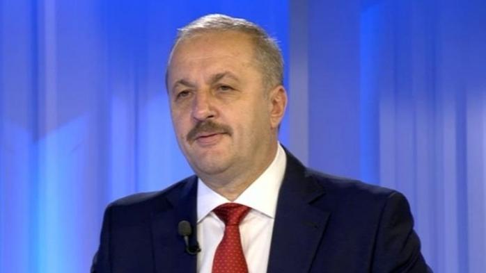 """Vasile Dîncu: """"Niciodată dreapta nu a cedat puterea"""""""