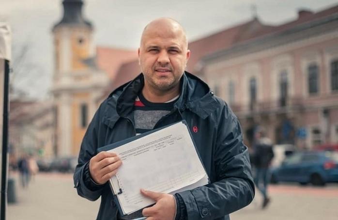 """Emanuel Ungureanu își prezintă raportul de activitate: """"Am fost mai exigent cu miniștrii din partidul meu decât cu cei din alte partide""""."""