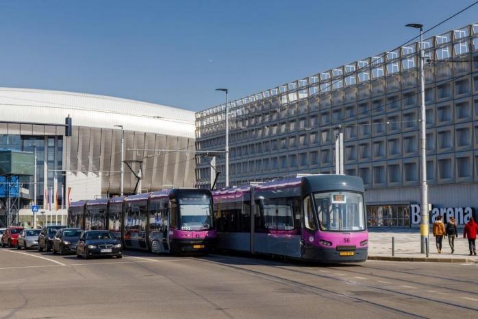 24 de noi tramvaie Astra Imperio au ajuns la Cluj. 20 dintre ele circulă deja pe străzile orașului