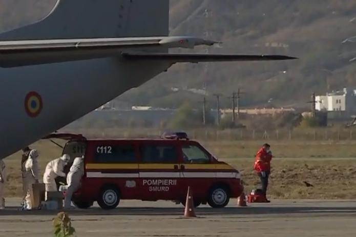 Trei paciente infectate cu COVID-19, oprite pe Aeroportul Cluj, înainte să fie transferate de urgență în Austria